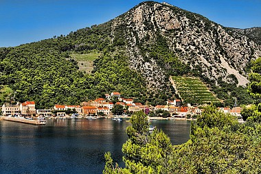 "<a href=""https://www.flickr.com/photos/croacia_/4684684467"" target=""_blank"">Trstenik, &copy; by Mario Fajt, on Flickr</a>"